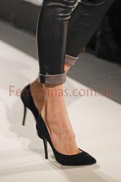 Stiletto el clasico zapato tacón de aguja siempre de moda http://www.femeninas.com/stiletto-tacos-moda.asp