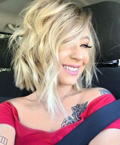 New Smart A Line Lob Haircuts and Hairstyles for Modern Girls Not to Miss Out in 2021 Messy Bob Hairstyles, Short Hairstyles For Women, Hairstyles Haircuts, Trendy Hairstyles, Spring Hairstyles, Messy Short Hair, Short Hair Cuts, Short Hair Styles, Locks