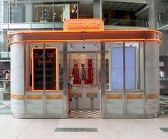 Hermés' pop-up silk bar