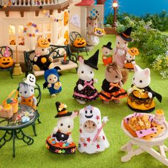 Halloween 2018, Halloween Party, Let Them Be Little, Sylvanian Families, All Things Cute, Toy Boxes, Reaction Pictures, Miniatures, Snoopy