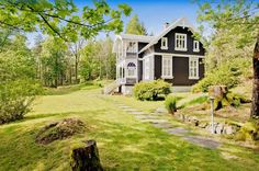 FINN – Villa Sommer - Historisk sveitservilla med parkmessig opparbeidet hage - Brygge, badehus og strandlinje - Vant Flekkefjords Byggeskikkpris i 2016