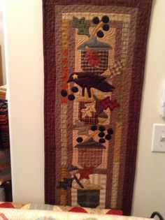 Timeless Traditions: The visit continues. Quilting Room, Quilting Ideas, Crow Bird, Fall Quilts, Primitive Folk Art, Happy Fall, Sewing Hacks, Ladder Decor, Applique