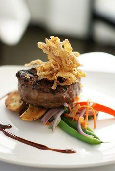 Liv Restaurant - Beef Filet Beef Filet, Hamburger, Steak, Dinners, Tasty, Restaurant, Elegant, Ethnic Recipes, Wedding