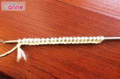 Ayçiçeği Tunus İşi Patik Modeli Yapımı - Canım Anne Clothes Hanger, Crochet Top, Anne, Model, Crochet Hats, Slipper, Coat Hanger, Clothes Hangers