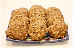 Banana oat cookies - no butter or oil and whole grain! | FamilyFoodontheTable.com