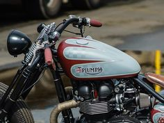 Triumph Bikes, Bobber Bikes, Bobber Motorcycle, Bobber Chopper, Triumph Bonneville, Triumph Motorcycles, Cars And Motorcycles, Vintage Cafe Racer, Vintage Bikes