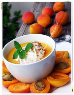 SÁRGABARACK KRÉMLEVES - ÍZZEL ÉS LÉLEKKEL Low Calorie Recipes, Vaj, Cukor, Food And Drink, Pudding, Diet, Baking, Hungary, Soups