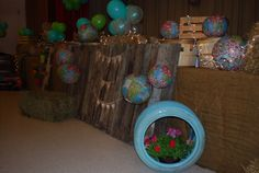 Stage with tire and flowers