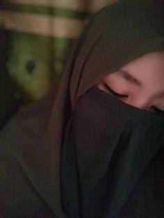 Muslim Girls, Muslim Women, Boy Pictures, Girl Photos, Hijab Hipster, Im Insecure, Islamic Girl, Hijabi Girl, Hijab Tutorial