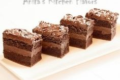 Recipe WEETBIX SLICE by erinajwilliams, learn to make this recipe easily in your kitchen machine and discover other Thermomix recipes in Baking - sweet. Gluten Free Sweets, Gluten Free Baking, Just Desserts, Delicious Desserts, Sweet Desserts, Chocolate Squares, Chocolate Chip Cookie Dough, Foods With Gluten, Vegan Chocolate