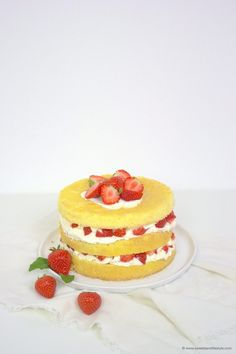 Biskuittorte mit Erdbeeren zum Muttertag von Sweets and Lifestyle