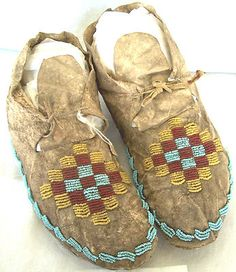 Late 1800's Native American Sioux Northern Plains Beaded Moccasins -*-*-168+