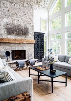 This is what cottage living room dreams are made of {PHOTO: Robin Stubbert}