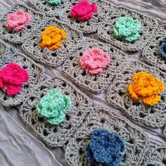 Gris | Little Rose Granny Squares #gris #grey #crochetastherapy #crochetconcupiscence #crochetaddict #crochetlove #crochet #little #littlebitsof_life #wip #thatsdarling #rosegrannysquare #crochetroses #handmade #makersgonnamake #makersofinstagram #makersmovement #nickitrenchcal #springflowerblanketcal2017 #creativesoul #creativehappylife #creative