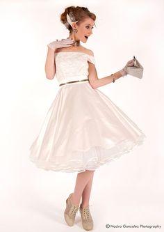 50er Petticoat Kleid Hochzeit Brautkleid weiß a... von Charlott-Atelier / 50er- Mode auf DaWanda.com