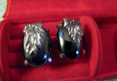 Vintage Designer Whiting Davis Hematite Gray Earrings Floral Leaf Clips LOVELY #whitingdavis #Cluster
