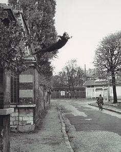 Yves Klein salto al vacio