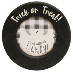 Halloween Wood Plate Trick or Treat Ghost Farmhouse Primitive Decor 6 inch #HearthsideCollection #RusticPrimitive #Halloween Primitive Halloween Decor, Farmhouse Halloween, Halloween Home Decor, Halloween House, Halloween Decorations, Wooden Plates, Bowl Fillers, Hearth, Trick Or Treat