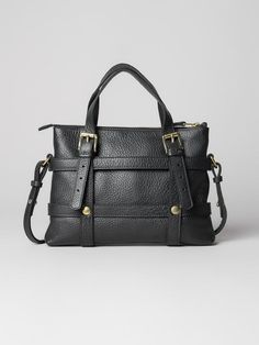 A mini version of the signature bag Gumma from Cala Jade. Features a leather frame with an interchangeable inner bag that you can adjust according to your style, mood or season. Carry On, Jade, Dust Bag, Crossbody Bag, Shoulder Bag, Mini, Leather, Collection, Black