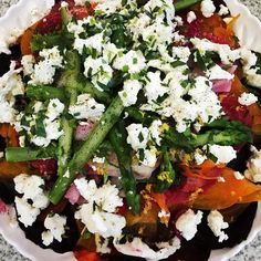 The most heavenly salad of cured beetroots, carrots, turnips and asparagus. With hints of tarragon, raspberry and lemon. Topped with @meredith_dairy goats cherve. X #daisydining #daylesford #catering #daylesfordcatering #bespokecatering #bespoke #traditio