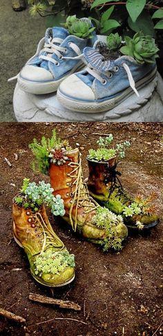 Já pensou em quantos objetos você deixou de usar e que poderiam ganhar uma nova finalidade? O berço do filhote, por exemplo, pode receber um tampo de vidro e se transformar em um lindo aparador! E uma bolinha de tênis que vira chaveiro, porta-cartas, porta-caneta e até gancho para pano de prato! Ou um par velho de sapatos que deixará seu jardim muito mais divertido ao se tornar um vaso de flores! No post de hoje, eu compartilho com vocês 16 ideias para colocar a criatividade em prática, sair…