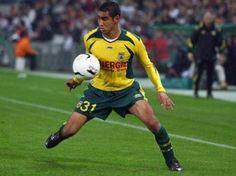 Dimitri Payet (FC Nantes) Fc Nantes, Football, Sports, Tops, Soccer, Hs Sports, Futbol, American Football, Sport
