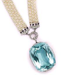 Edwardian 107.00 Carats cushion-cut aquamarine, diamond, natural pearl and platinum sautoir.