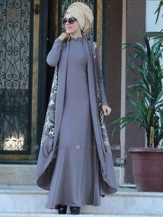 Mink Moroccan Vest & Dress Double Team Source by habibekocabas Mode Abaya, Mode Hijab, Abaya Fashion, Muslim Fashion, Hijab Style Dress, Muslim Dress, Islamic Clothing, Fashion Sewing, Classy Dress