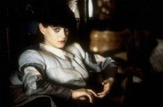 """Sean Young as Rachael in """"Blade Runner"""" Ridley Scott) Blade Runner Actors, Film Blade Runner, Blade Runner 2049, Man In Black, K Dick, Sean Young, Ridley Scott, Ghost In The Shell, Film Stills"""