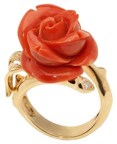 Dior. Rose Catelan ring in yellow gold, diamonds and red coral.