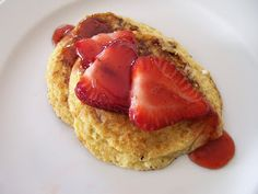 Shelly's Strawberry Cheesecake Cottage Cheese Pancakes #Healthy #Recipes #lowcarb
