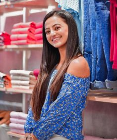 Helly Shah, Dresses With Sleeves, Long Sleeve, People, Woman, Fashion, Moda, Sleeve Dresses, Long Dress Patterns