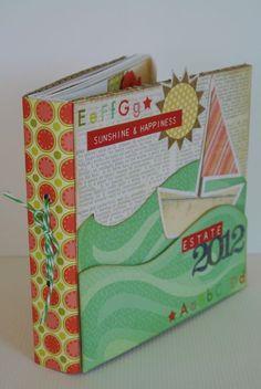 Tuto du mini avec la technique de la couture..: http://scrappando.typepad.com/cartaericordi/2012/07/la-rilegatura-cucita.html