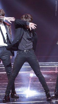 Jungkook blood sweat and tears BTS Jungkook Dance, Kookie Bts, Foto Jungkook, Jungkook Oppa, Foto Bts, Bts Bangtan Boy, Taehyung, Jungkook 2018, Jung Kook