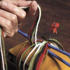 Magasin for Bunad og Folkedrakt Finger Weaving, Friendship Bracelets, Hair Styles, Beauty, Band, Hair Plait Styles, Sash, Hair Makeup, Hairdos