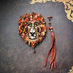Брошь из бисера Златогривый лев, брошь-кулон - купить или заказать в интернет-магазине на Ярмарке Мастеров - FG81NRU. Симферополь | Брошь Златогривый лев, брошь-кулон, сет из…