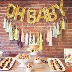 """I want to throw someone a beautiful shower like this! """"Oh Baby!  #numberballoons #balloons #partydecor #babyshower  Image via @latavolalinen Balloons via @ohshinypaperco Garland via @paperfoxla"""""""