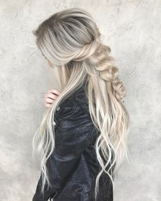 hairstyles messy hairstyles thin hair braided hairstyles to scalp hairstyles braided hairstyles hairstyles into a ponytail hairstyles curly hairstyles unique Pretty Hairstyles, Girl Hairstyles, Braided Hairstyles, Hairstyles 2018, 1940s Hairstyles, Evening Hairstyles, Blonde Grise, Curly Hair Styles, Summer Hair