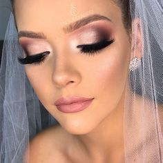 Perfect Makeup: Online Makeup Course with Certificate! - MakeUp World Wedding Eye Makeup, Bridal Hair And Makeup, Wedding Hair And Makeup, Hair Makeup, Prom Makeup, Pageant Makeup, Online Makeup Courses, Make Up Kurs, Professionelles Make Up