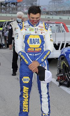 Racing News, Nascar Racing, Chase Elliott Nascar, Michael Waltrip, Martin Truex Jr, Duck Dynasty, Bounty Hunter, Peaches, Georgia