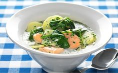 Salmon soup with spinach (laxsoppa) Salmon Soup, Swedish Recipes, Love Food, Soup Recipes, Potato Salad, Spinach, Chicken, Dinner, Vegetables