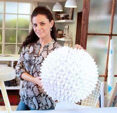 Rocío Jiménez origami pendant / origami lamp / Casa Haus - do it yourself Diwali Lantern, Origami Lamp, Paper Lanterns, Decoration, Diy, Pendant, Home Decor, Ideas, Shape
