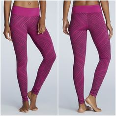 """Fabletics salar legging Salar legging by Fabletics in (raspberry ground) dark plum taos print color. Fit: Maximum Compression. Rise: Mid. Inseam: 28"""" / 71 cm. Fabric Content: 86% Polyester/14% Elastane. Features: Smooth, Chafe-Resistant Design, Convenient Hidden Pocket, Moisture Wicking, Four-Way Stretch. New with tags, unused. Fabletics Pants Leggings"""