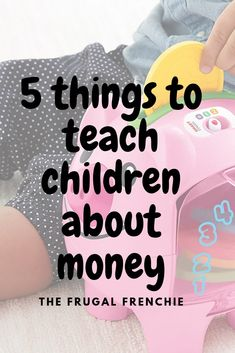 Start exposing your children to the topic of money early on! Here's what you could start with Frugal Recipes, Frugal Tips, Saving Ideas, Money Saving Tips, Baby On A Budget, Tight Budget, Money Matters, Baby Fever, Personal Finance