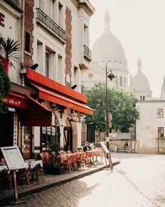 Early mornings in Montmartre