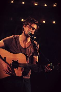 arthur darvill. i love a man who can sing.