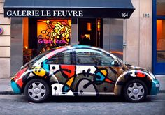 Volkwagen's make great canvas, or so thinks French graffiti artist MIST with his new hand painted VW Beetle. Volkswagen New Beetle, Vw Bus, Auto Volkswagen, Beetle Bug, Custom Paint Jobs, Custom Cars, Car Painting, Car Wrap, Car Brands