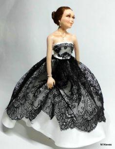 Con el vestido de encaje