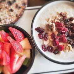 Fresh fruit and steel-cut oatmeal from Corner Bakery Cafe. Photo via @nadjaandersen