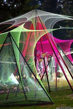 net flags could be a cheaper option. Arte Linear, Bd Art, Mandala, Merian, Math Art, Parcs, Outdoor Art, Sculpture, Light Art